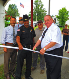 Fair ribbon cutting for web